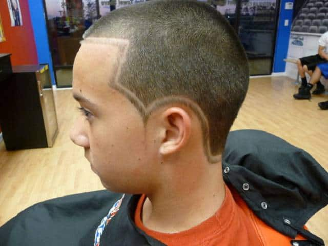 Designer Hairstyle : Haircuts & Designs Sideline Barber Shop